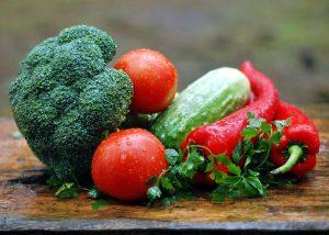 【得する人損する人】激安スーパーで美味しい新鮮野菜を見分けるポイント きゅうり オクラ ニラ トマト 新生姜
